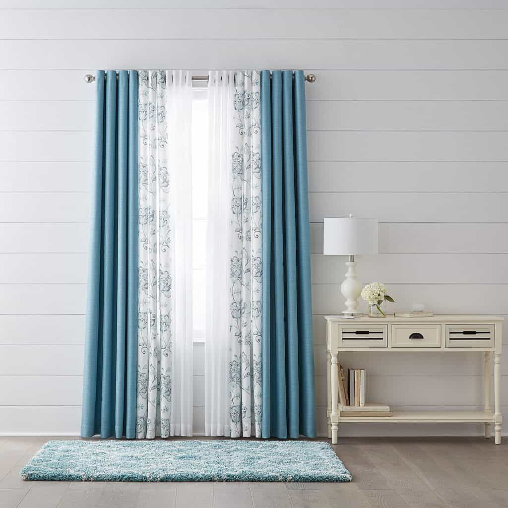 STANDARD CURTAINS SIZE
